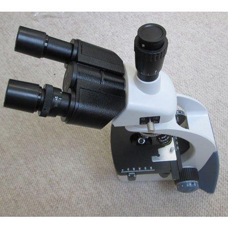 نمای بالای میکروسکوپ سه چشمی بیولوژی 1600 برابر مدل KE-M2015T-Plan